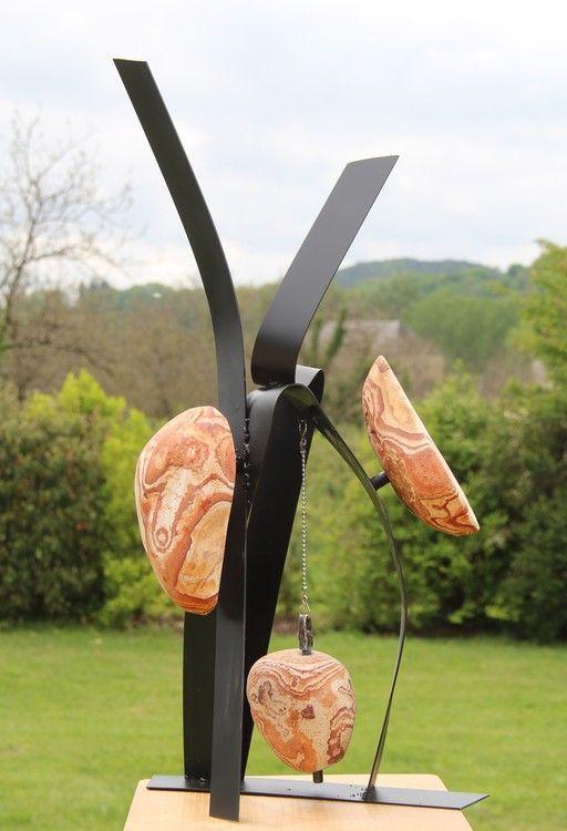 Stamobile 1507.jpg - Sculpture,  30x70x40 cm ©2015 par Pascal Cavalli -                                            Art abstrait, Art abstrait, Pierre d'Espagne, sculpture métal contemporaine