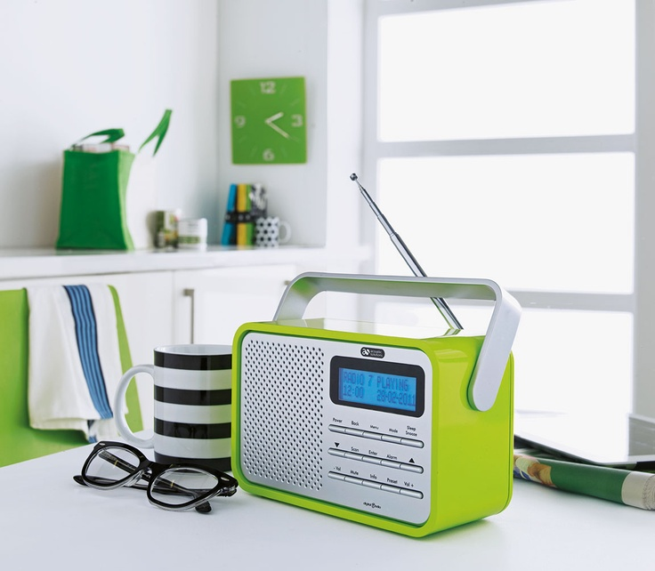 This striking high-gloss DAB/FM Radio from Argos comes in a vibrant lime finish and is the perfect blend of style and sound.