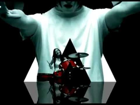 This song never gets old. Plus they mention Wichita. The White Stripes - Seven Nation Army