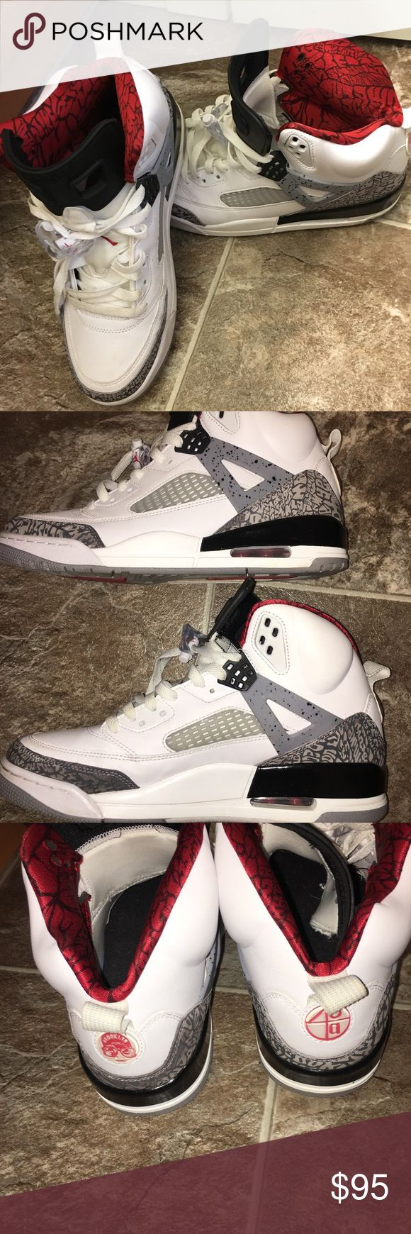 JORDAN SPIZIKE PAIR OF WHITE CEMENT JORDAN SPIZIKE SHOES. 9.5/10  STILL IN INCREDIBELY AMAZING CONDITION. THESE WERE RELEASED TO CELEBRATE SPIKE LEE'S JOINING OF THE JORDAN BRAND. Jordan Shoes Athletic Shoes