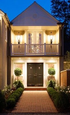 Great entrance to small house. 2nd level porch over the horse pasture. Ideal.