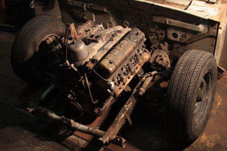 Gaz 24 air dropped V8 cabrio