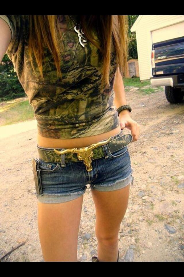 Camo all the way! <3 #camo #camooutfit #countrygirls #country For more Cute n' Country visit: www.cutencountry.com and www.facebook.com/cuteandcountry