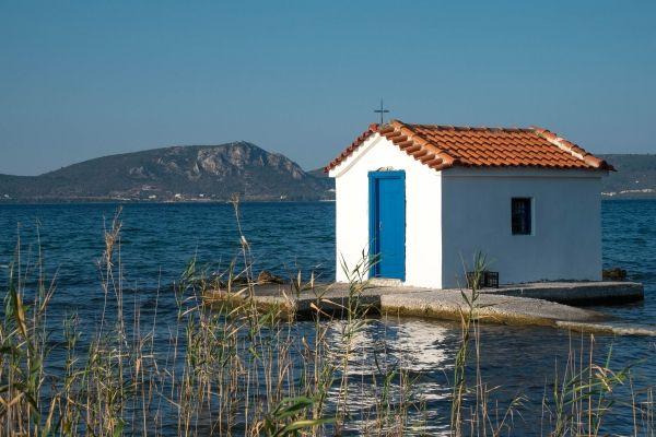 Chapel in the sea, Church of Agios Therapon