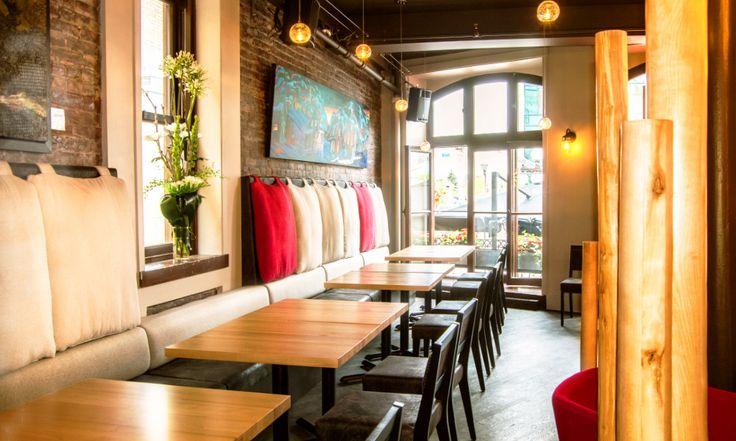 Restaurant Légende 255, rue Saint-Paul Québec, QC, CANADA G1K 3W5