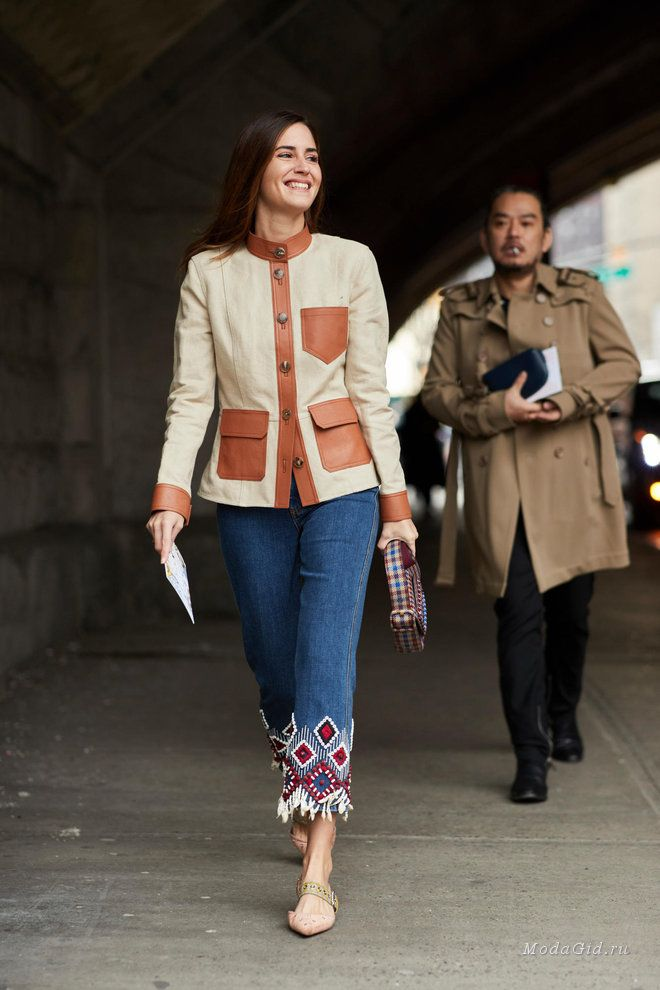 Уличная мода  Неделя моды в Нью-Йорке сезона осень-зима 2018-2019 ... ba3f3b13d5f