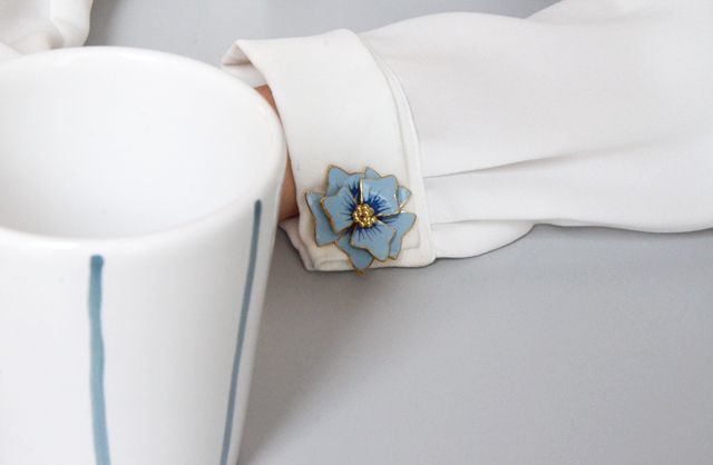 Need a new way to accessorize your favorite shirt? Anne Fontaine has created a new line of cufflinks for women in the upcoming Spring Summer collection!