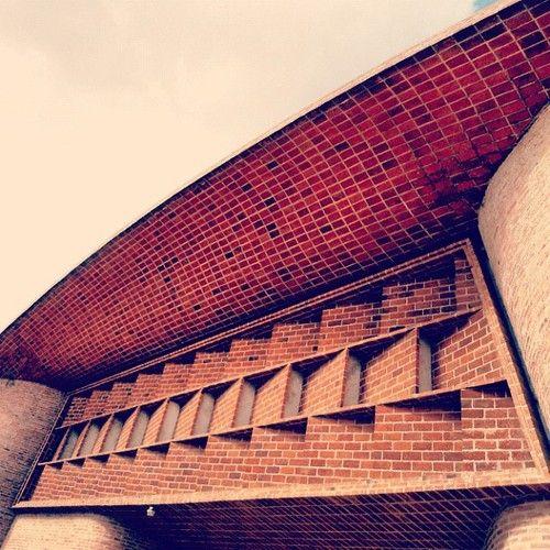 Iglesia del Cristo Obrero, Eladio Dieste.  by Jeferson Chicarelli Ruiz on Flickr