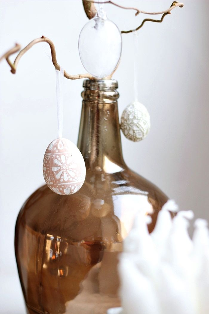 Brown glass bottle, easter eggs decor / www.livinupanotch.com