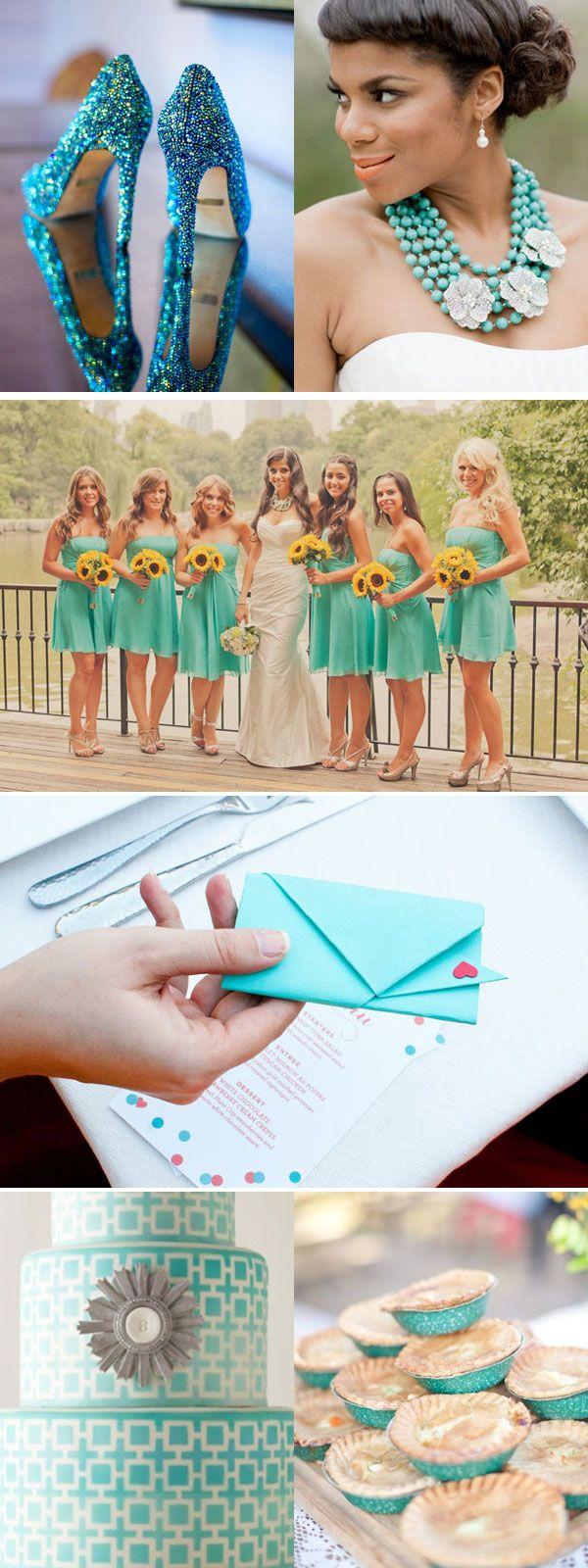 LOVE those bridesmaid dresses!!!