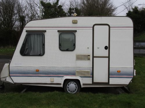 adria optima 400b 4 berth touring caravan touring caravan and ebay. Black Bedroom Furniture Sets. Home Design Ideas