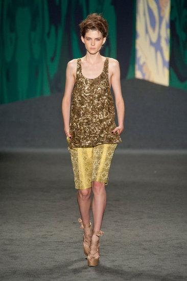 Vera Wang's take on gold: Wang Spring, Bermuda Shorts, Fashion Week, Runway Photos, New York Fashion, Fashion Trends, Spring 2013, Longer Shorts, Fashion Week New York