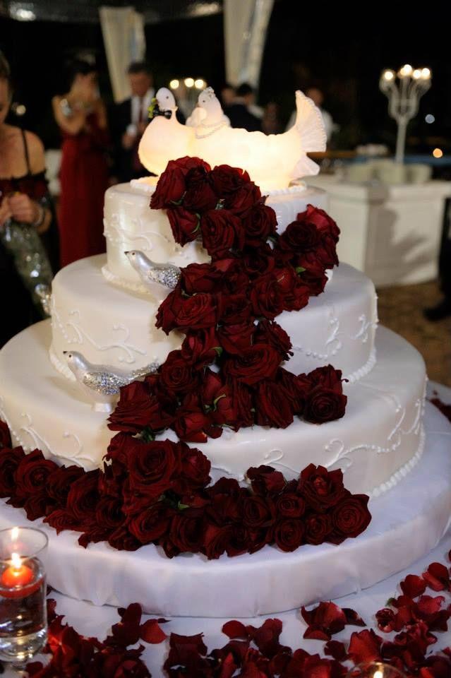 Wedding cake con rose Red Naomi