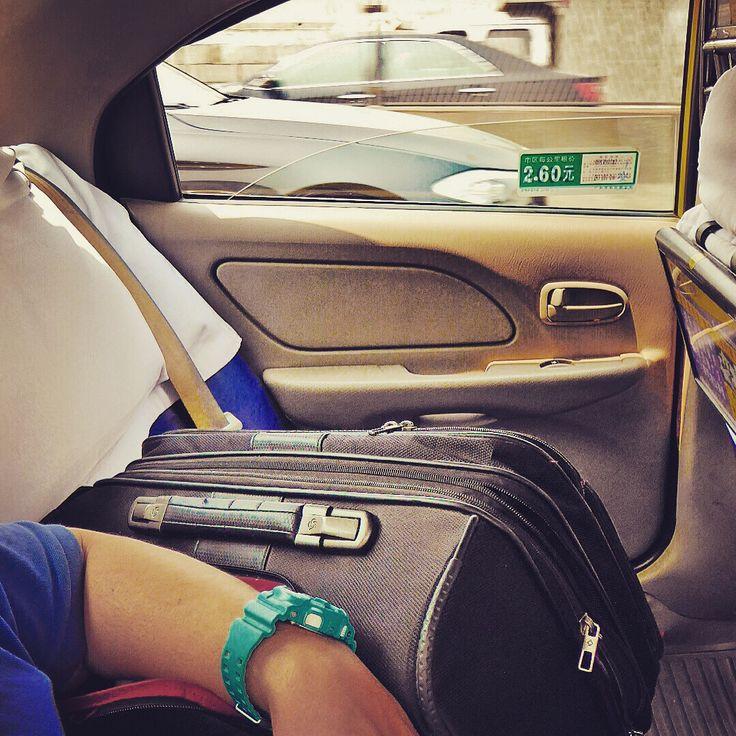 Ejecutivo, comercial al igual que ofreces calidad es tus propuestas, la buscas también en lo que compras por eso desde #thebackpack queremos ofrecerte la propuesta #traveller. Never stop with #samsonite #mysamsonite #luggage #maleta #trolley #travel si precisas una nueva acércate a #bolsosgacela #bolsosazkona y llévatela al mejor precio #buylowcost pero de calidad.