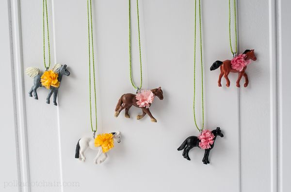 Diy party-favor - pretty ponies necklaces