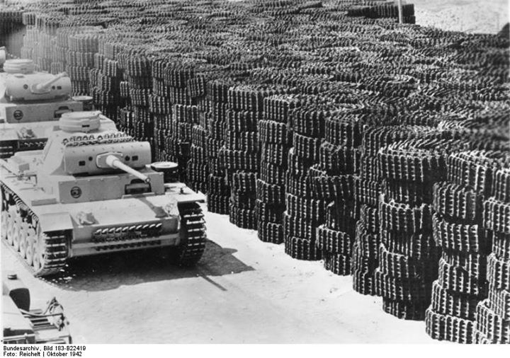 Near-complete German Panzer III tanks at a factory Germany October 1942. Note stockpile of tank tracks. Photo: Bundesarchiv Bild 183-B22419 Reichelt.