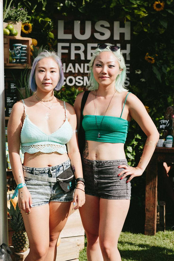Squamish Valley Music Festival 2015: 27 shots of mountains, raincoats and Drake-on-a-sticks | Music Festivals | FASHION Magazine |