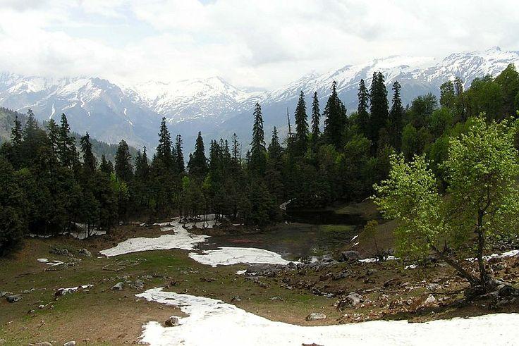 Khanpari peak and Lama Dug meadows. A trek which will surely get anyone hooked on adventure & trekking The adventure trail to Khanpari | Manali to Lama dug meadows trek