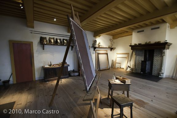 The former residence of Dutch painter Rembrandt van Rijn has been restored to its former glory; the way it was when Rembrandt lived here in the 17th century.