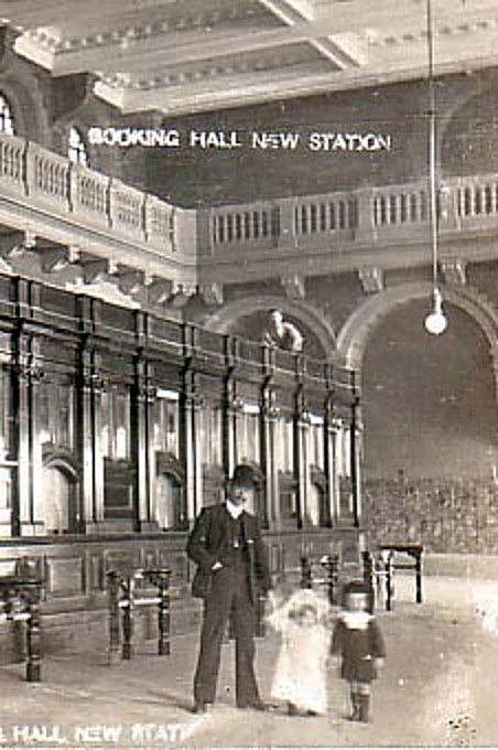 Booking hall at Central - Sydney, 1906. The year the station opened.