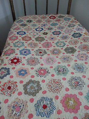 """Like the layout of hexagons with border and centres  Vintage Antique Quilt Top Grandmother's Flower Garden 82"""" x 66"""" 