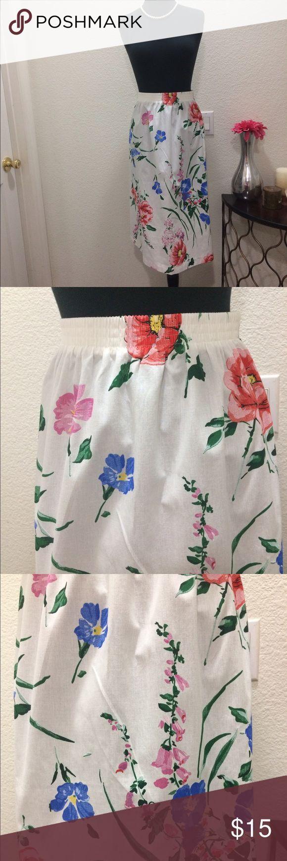 "Vintage Plus size floral🌺🍃print Skirt Vintage floral print 🌺🍃 Skirt by Village Fair, size XL, machine washable, measurements across laying flat, waist: 15 1/2"" - 20"" (elastic), Hips: 26"", Length: 27"", EUC, Flawless mint condition Village Fair Skirts"