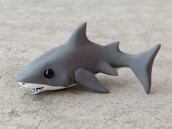 Grand requin blanc figure animale du argile par AnimalitoClay