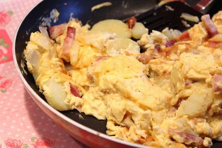Omelette au lard et aux pommes de terre