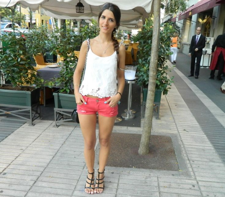 Red Shorts #red #shorts #lace #shirt #oysho #black #sandals #shoes #mango #clutch #bag #zara #madrid #braid #hair #summer #street #streetstyle