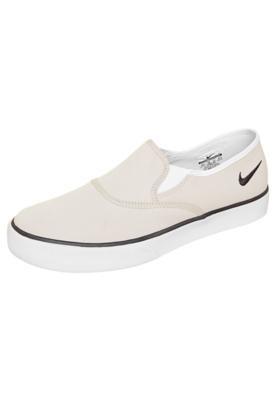 0a4d8efb56 Pin de Dudu Colchete em Sapatos