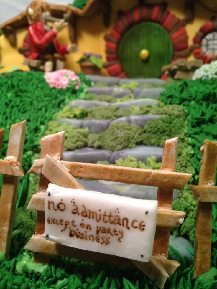 Hobbit, Cake, Lord of the Rings, Frodo, Bilbo, Bag End, Shire, Hobbiton, Fondant, gum paste, sugar, edible, sculpture, Tolkein, Tolkien