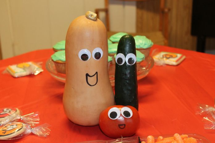Center Piece for Veggie Tales Party