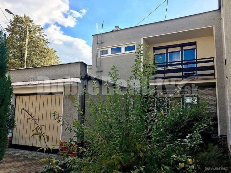 PREDAJ 5 izbový rodinný dom, žiadaná lokalita, výborná dispozícia, veľmi dobrý stav, Prievidza