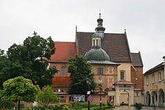 Gotycki kościół Dziesięciu Tysięcy Męczenników w Niepołomicach (Polska). [za Wikipedia]