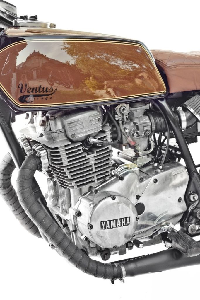 yamaha xs 400 tank classic brownie sanglas motos i. Black Bedroom Furniture Sets. Home Design Ideas