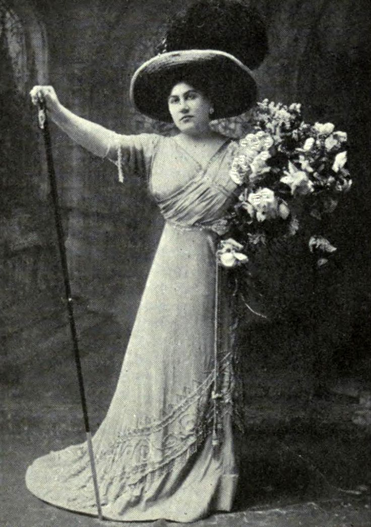 Emmy Destinn as Floria Tosca in Puccini's opera, Tosca ...