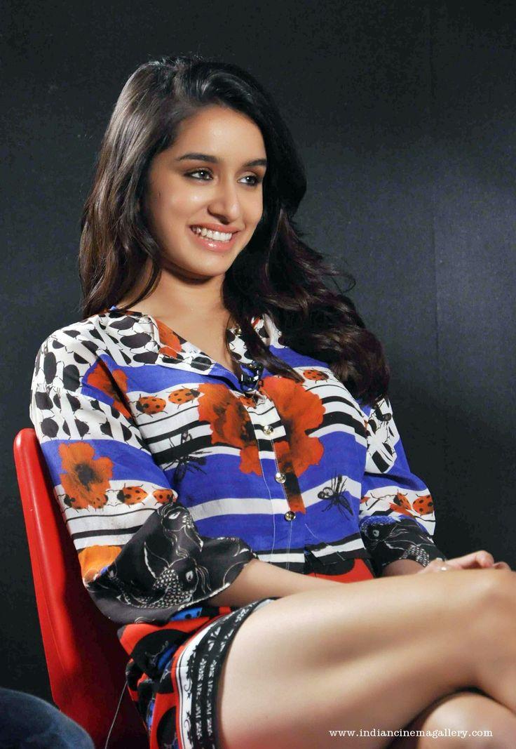 Shraddha Kapoor Hot Thighs