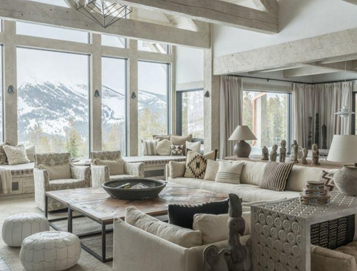 salon rustique blanc tapis canap s blanc cass poufs blancs table en bois et m tal. Black Bedroom Furniture Sets. Home Design Ideas