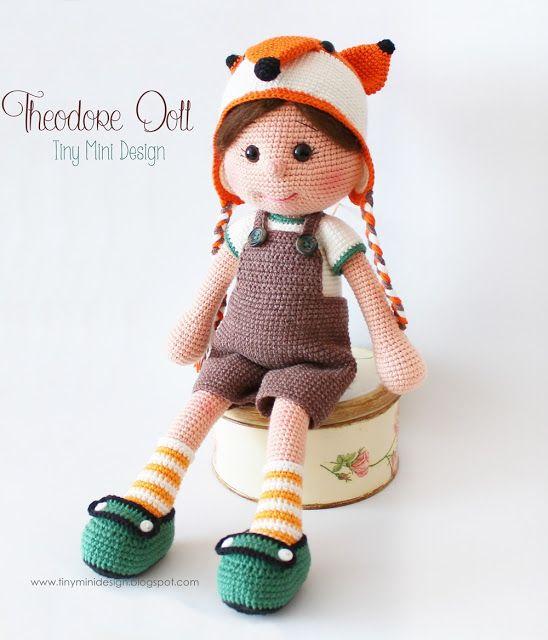 Tilki Şapkalı Theodore Doll- Fox Hat Theodore Doll