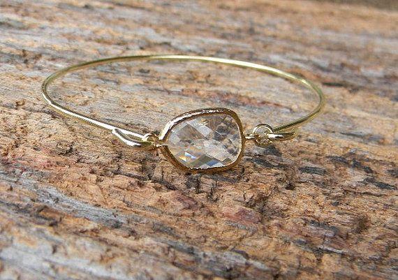 Gold Bangle armband / Bracelet Clear / van Greenperidot op Etsy