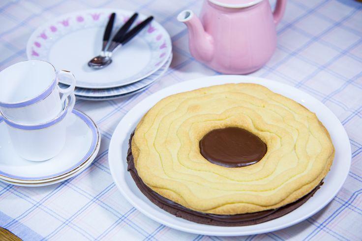 Bara ett kex till, sen ska jag inte äta mer kaka. Kanske rätt poänglöst löfte om Ballerina-kexet är större än två skogshuggarnävar.