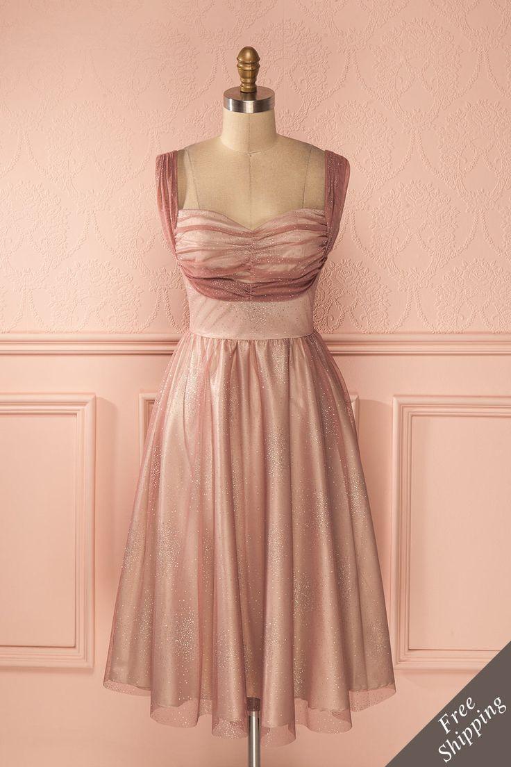 Vous laisserez une trace de poussière de fée sur le plancher de danse. You will leave a trace of fairy dust on the dance floor. Dusty pink midi glimmering dress www.1861.ca