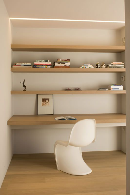 parson chair.By Minus Architects.