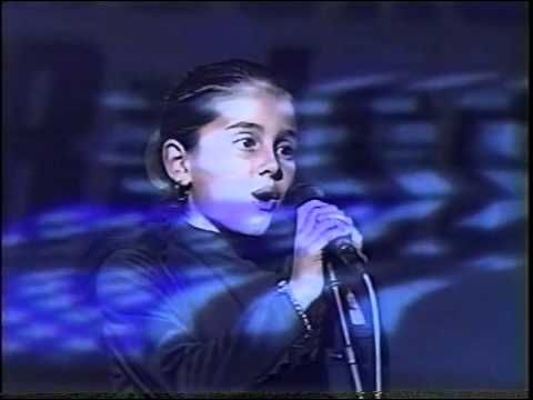 OMG!!!SHE COULD SING GOOD WHEN SHE WAS LITTLE TOO!