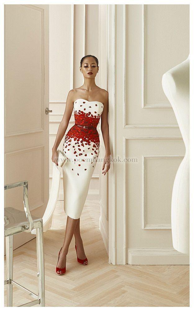 Komm sofort auf meine Wunschliste. Dieses Kleid ist unglaublich, der Stoff, das Detail, der Gürtel, die Form … alles. › 2019 – 2020