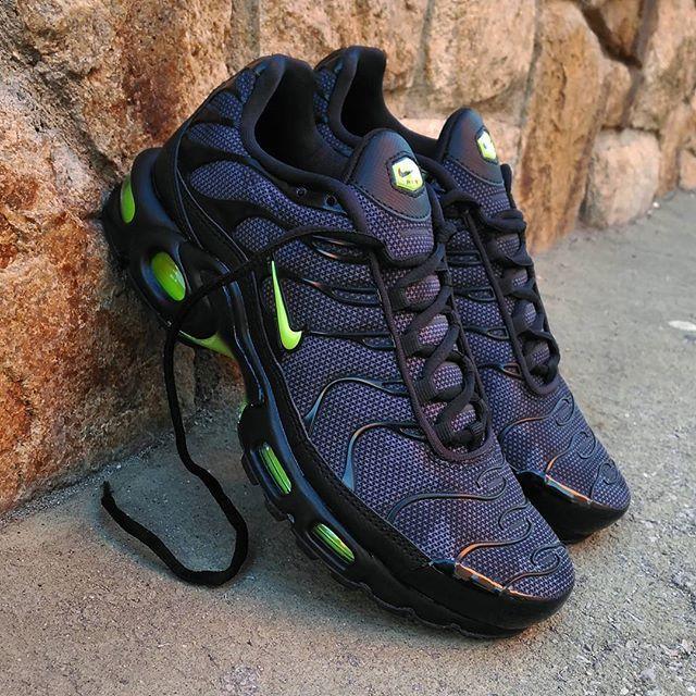 "Nike Air Max Plus TN ""Black Camo Neon""  Size Man - Precio: 15990 (Spain Envíos Gratis a Partir de 99) www.loversneakers.com  #loversneakers#sneakerheads#sneakers#kicks#zapatillas#kicksonfire#kickstagram#sneakerfreaker#nicekicks#thesneakersbox #snkrfrkr#sneakercollector#shoeporn#igsneskercommunity#sneakernews#solecollector#wdywt#womft#sneakeraddict#kotd#smyfh#hypebeast#nikeair #niketn #airmaxplus #tn #nike"