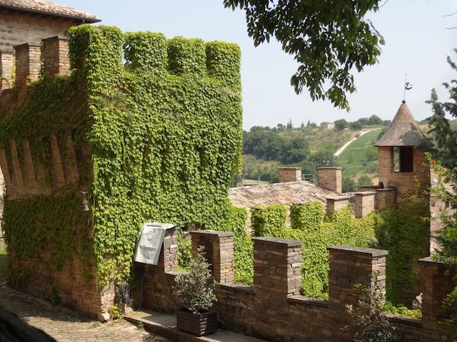 Guided tours at Castello Pallotta