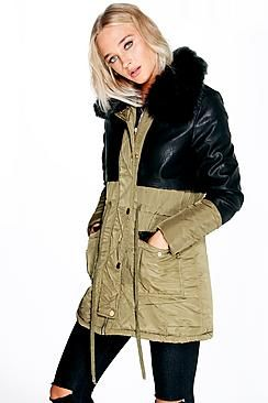 ¡Cómpralo ya!. parka con detalle de polipiel y cuello de piel sintética maisie. Wrap up in the latest coats and jackets and get out-there with your outerwearBreathe life into your new season layering with the latest coats and jackets from boohoo. Supersize your silhouette in a puffa jacket, stick to sporty styling with a bomber, or protect yourself from the elements in a plastic raincoat. For a more luxe layering piece, faux fur coats come in fondant shades and longline duster coats give…