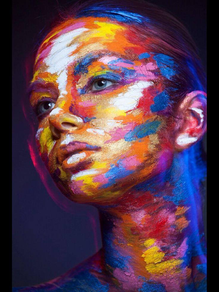 3d people painted to look 2d via