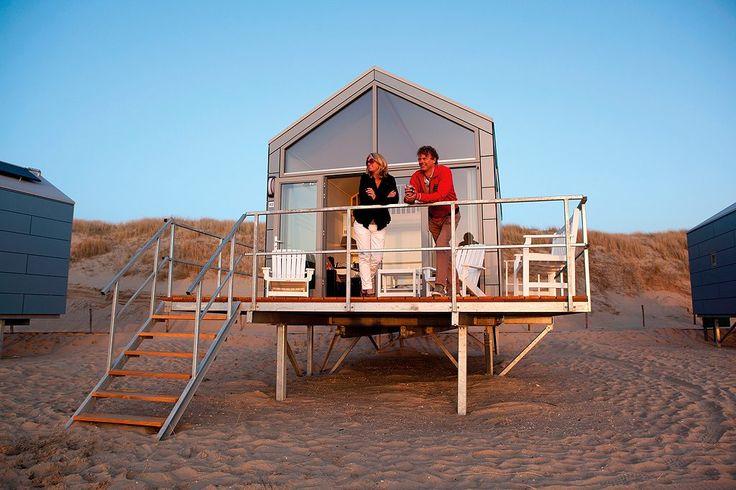 Op Landal Beach Resort Ooghduyne vind je aan de voet van het duin prachtige strandhuisjes die van alle gemakken zijn voorzien.